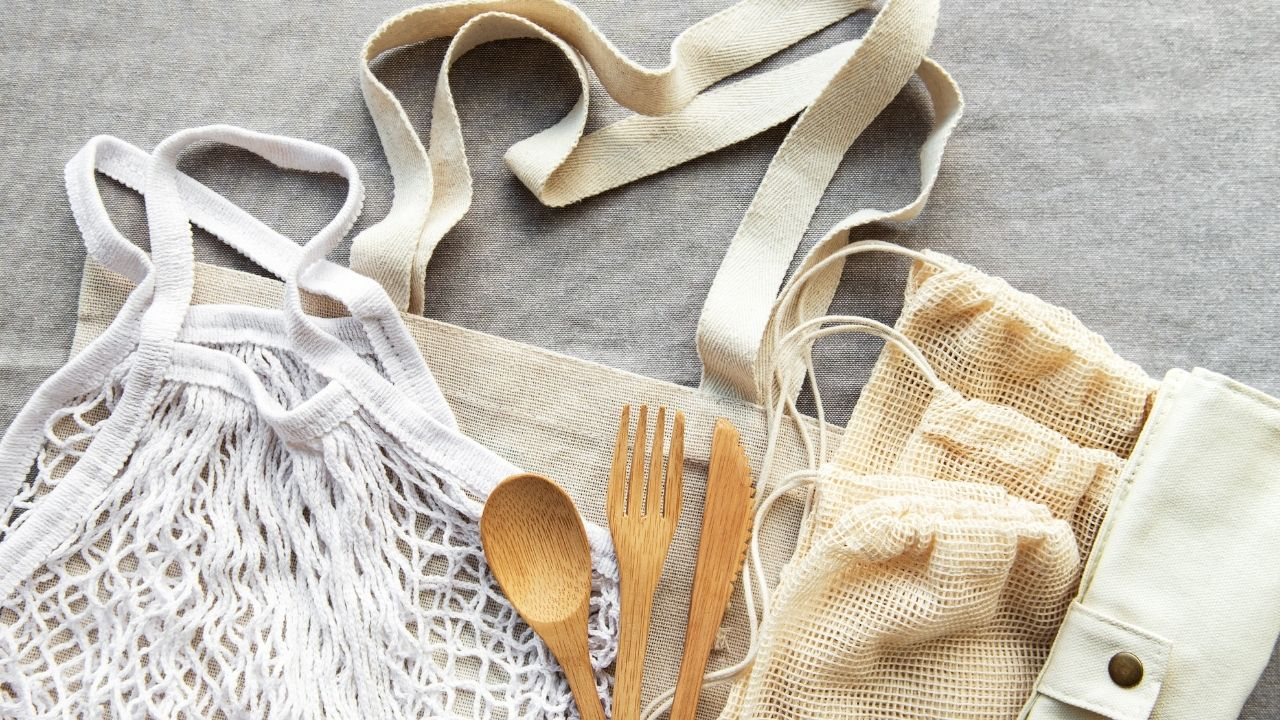 Dishes With A Mesh Bag