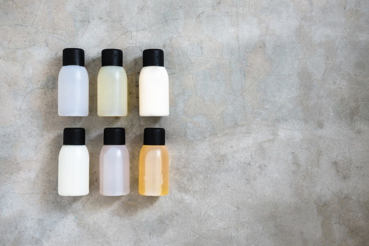 sample size toiletries for camping-CampDotCom